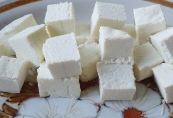 how-to-make-paneer-at-home (1)